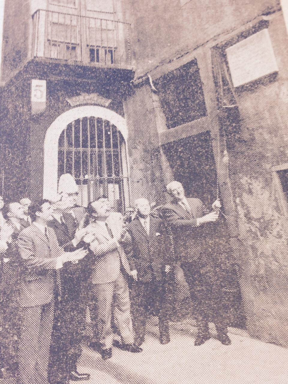 L'alcalde Porcioles inaugura la placa d'homenatge a Pablo Picasso